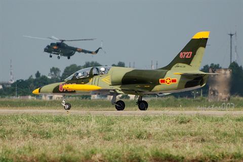 Trên cả tuyệt vời, tiêm kích Yak-130 sắp về Việt Nam: Su-35 và Su-57 đang chờ phía trước? - Ảnh 1.