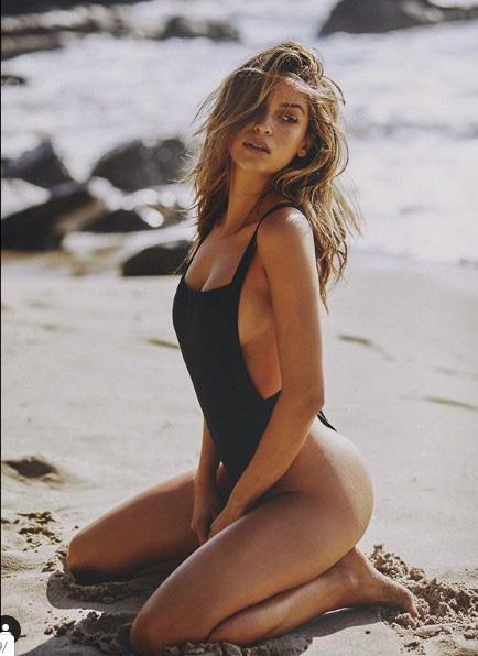 Siêu mẫu Cassie Amato thả dáng quyến rũ mê hồn trên biển - Ảnh 13.