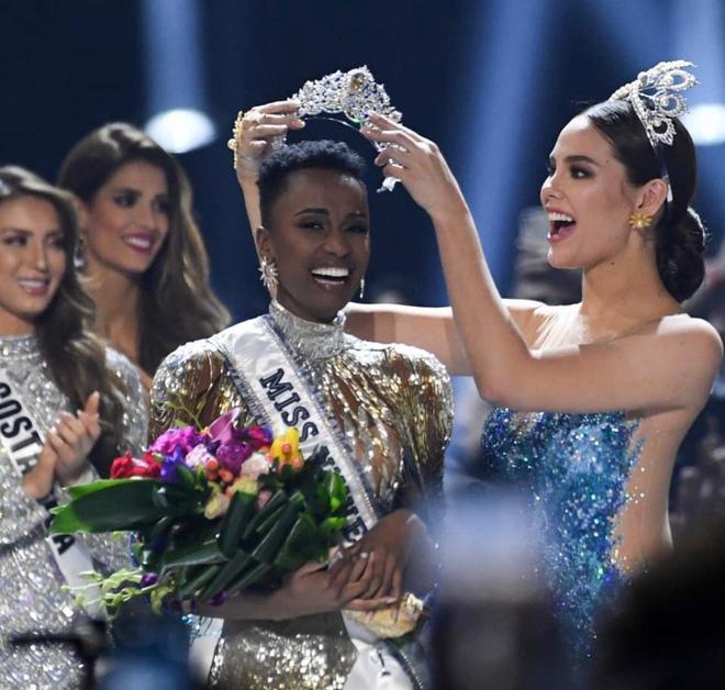 Nhan sắc lạ và đầy ấn tượng của mỹ nhân Nam Phi vừa đăng quang Miss Universe 2019 - Ảnh 4.
