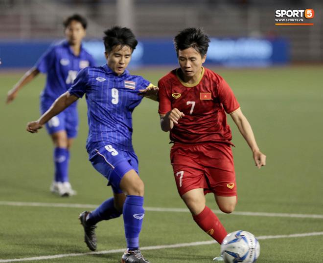 Nữ tuyển thủ Việt Nam từng ra đồng gặt lúa, hot girl sân cỏ thì làm shipper trước khi vô địch SEA Games 30 - Ảnh 5.
