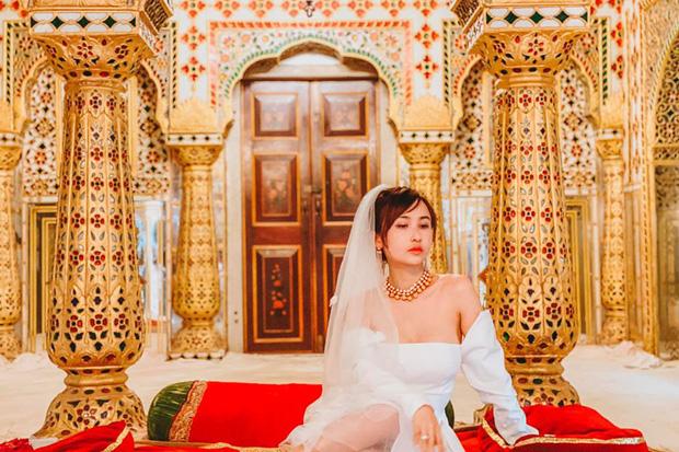 Vợ chồng đại gia Minh Nhựa lặn lội sang Ấn Độ chụp ảnh 8 năm ngày cưới nhưng lại bị đôi giày quá cỡ của Mina giật hết spotlight - Ảnh 7.