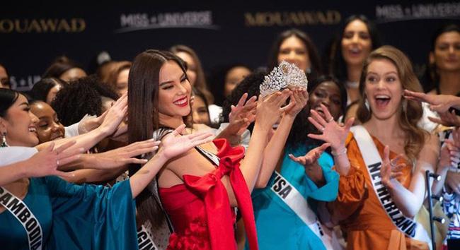 Chung kết Miss Universe 2019: Đại diện đến từ Nam Phi chính thức trở thành tân Hoa hậu Hoàn vũ - Ảnh 9.