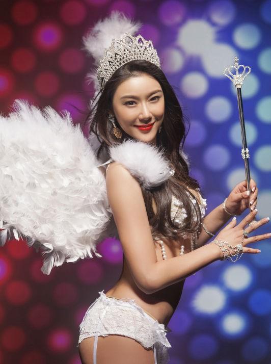 Hư Trúc nổi tiếng của Thiên long bát bộ: Bị đuổi khỏi showbiz, bạn gái nóng bỏng bỏ rơi - Ảnh 7.