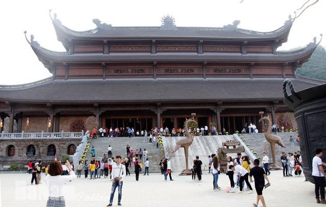 Đại gia ăn chay Xuân Trường: Doanh nhân kín tiếng rước xá lợi Phật, mua thiên thạch mặt trăng, xây ngôi chùa lớn nhất thế giới - Ảnh 3.