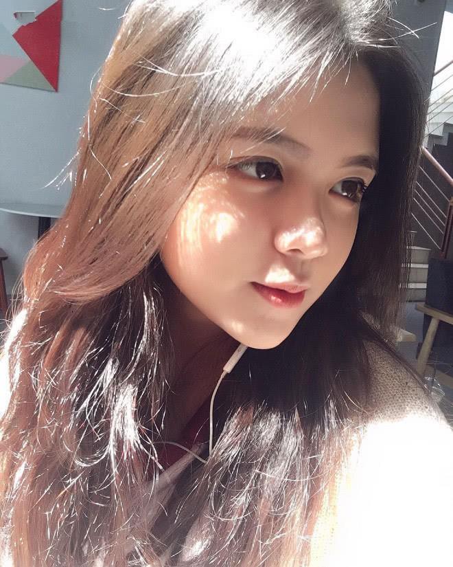 Báo Trung phát sốt về một nữ sinh Việt mặc áo dài, khen ngợi nhan sắc xinh đẹp đủ tầm tham gia showbiz - Ảnh 10.