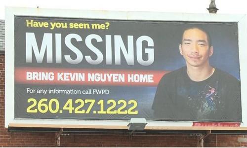 Mỹ: Con trai biến mất suốt 2 tháng, gia đình gốc Việt dựng biển quảng cáo khổng lồ tìm tung tích - Ảnh 1.