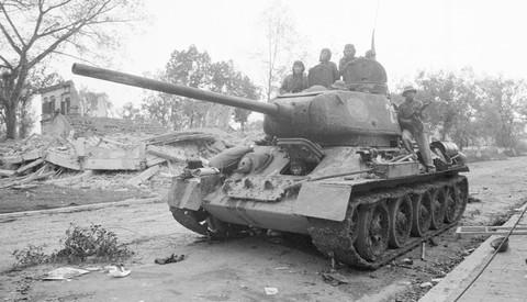 Chiến tranh BGPB 1979: Tiếng xích sắt nghiến khuấy động không gian, Việt Nam sẵn sàng phản công lớn - Ảnh 6.