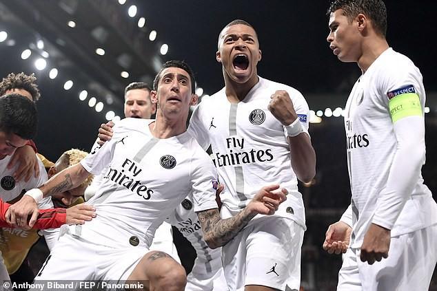 Bị fan MU ngược đãi và bị đội trưởng MU chơi xấu, ngôi sao PSG đáp trả bằng 2 pha kiến tạo đẳng cấp - Ảnh 10.