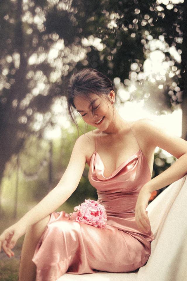 Sau ly hôn, Phạm Quỳnh Anh ngày càng đẹp và gợi cảm - Ảnh 3.