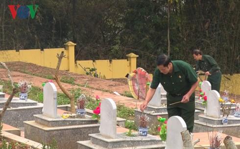 Dâng hương tưởng niệm các liệt sỹ bảo vệ biên giới phía Bắc - Ảnh 2.