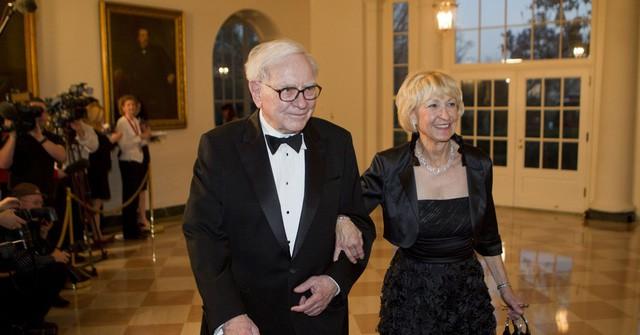 Tình yêu kiểu tỷ phú: Jeff Bezos yêu vợ bạn thân, Warren Buffett yêu bạn thân của vợ và 2 cái kết hoàn toàn đối lập - Ảnh 5.