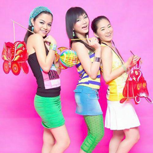 Cuộc sống lận đận của cả 3 nữ ca sĩ xinh đẹp, nổi tiếng nhóm HAT  - Ảnh 1.
