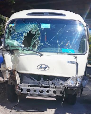 27 hành khách thoát chết khi ô tô khách mất phanh trên Quốc lộ 1 - Ảnh 1.