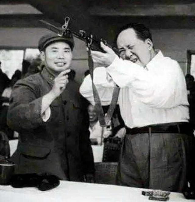 Chiến tranh biên giới 1979: Tư lệnh TQ trụy tim sau 7 ngày gây chiến với VN, bí mật chạy về Bắc Kinh - Ảnh 9.