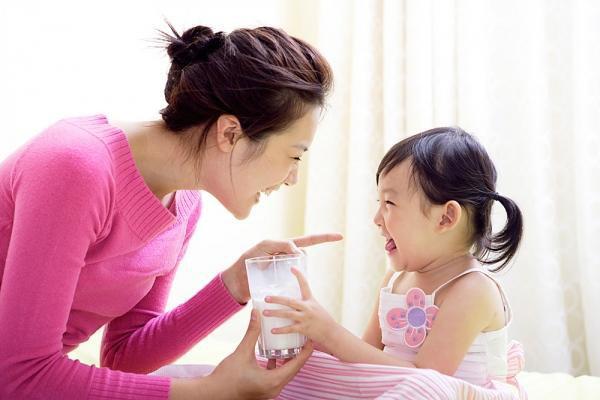 Những điều cha mẹ không hay biết về bổ sung canxi cho trẻ và lời khuyên chuẩn chỉ của bác sĩ nhi về vấn đề này - Ảnh 1.