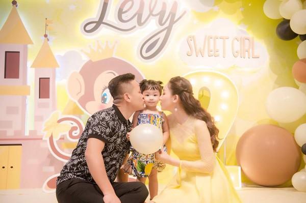Ngô Trà My - chuyện cô Á hậu vừa đăng quang đã vội lấy chồng giàu và lời hứa hão với showbiz - Ảnh 5.