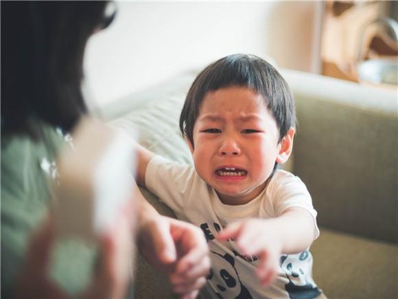 3 câu nói đùa vô ý của bố mẹ tưởng không hại nhưng hại không tưởng khiến sự phát triển về tâm lý của trẻ bị ảnh hưởng - Ảnh 2.