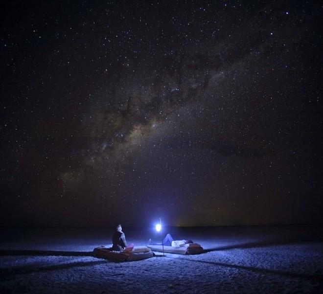 Choáng với sự sống đẹp huy hoàng tại chảo muối được mệnh danh là Vùng đất chết - Ảnh 2.