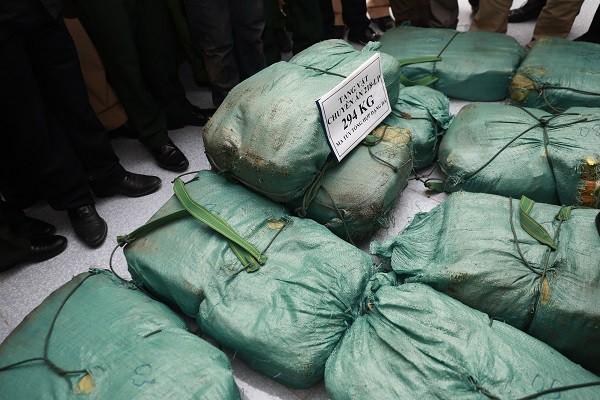 9X quốc tịch Lào vận chuyển gần 3 tạ ma túy đá sang Việt Nam - Ảnh 2.