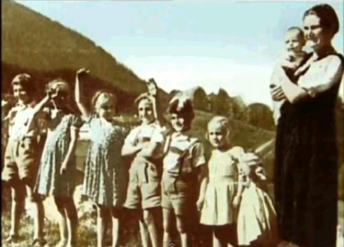 Số phận của những bà trùm phát xít Đức sau này ra sao? - Ảnh 10.