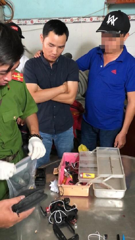Phá nhanh vụ án chiếc micro cài chất nổ chiều 29 Tết - Ảnh 1.