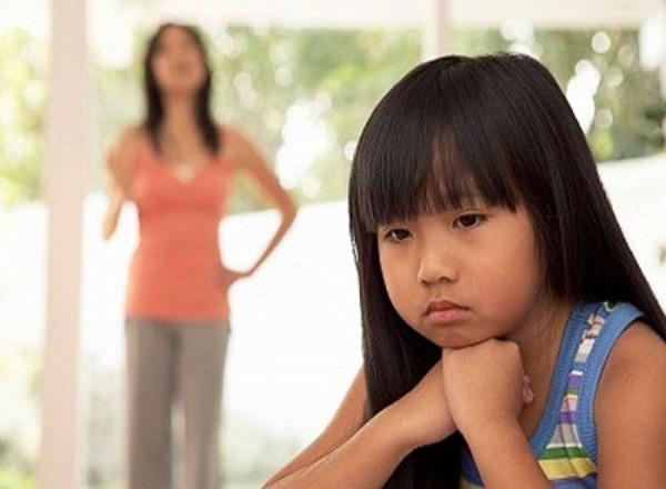 8 câu nói tưởng vô tình mà lại khiến con bị tổn thương lòng tự trọng vô cùng, cha mẹ tuyệt đối nên tránh - Ảnh 5.