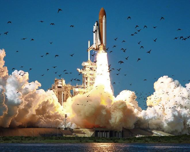 Elon Musk ủ mưu chế tạo quả tên lửa biết đổ mồ hôi để bớt nóng, khó gấp 100 lần dự án khó nhất của NASA - Ảnh 6.