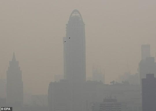 Thủ đô Thái Lan ô nhiễm nặng, người dân ho ra máu  - Ảnh 4.