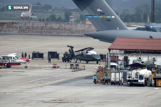 Vì sao vận tải cơ C-17 được Mỹ tin dùng để vận chuyển trực thăng Marine One cho Tổng thống? - Ảnh 1.