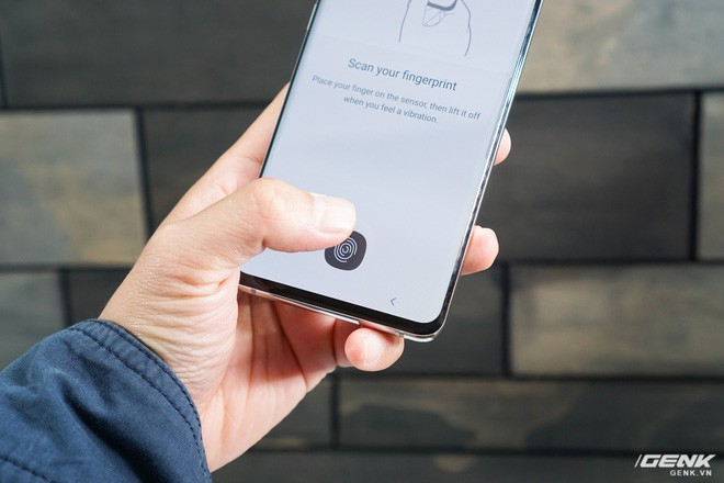 Trên tay Galaxy S10 và S10+: Bước ngoặt mới trong thiết kế smartphone - Ảnh 11.