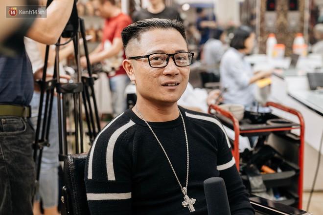 Người Hà Nội rủ nhau đi cắt miễn phí kiểu tóc giống Tổng thống Donald Trump và nhà lãnh đạo Kim Jong-un - Ảnh 14.