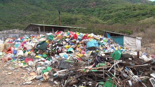 Chi hơn 35 tỉ đồng, chuyển 70.000 tấn rác từ Côn Đảo về đất liền xử lý - Ảnh 3.