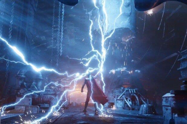 Siêu thần khí mới của Thor- rìu Stormbreaker chứa đựng sức mạnh phá hủy cả một hành tinh - Ảnh 3.