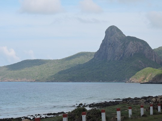 Chi hơn 35 tỉ đồng, chuyển 70.000 tấn rác từ Côn Đảo về đất liền xử lý - Ảnh 7.