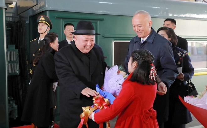 Yonhap: Đoàn tàu được cho là chở Chủ tịch Triều Tiên Kim Jong-un đã tiến vào Trung Quốc - Ảnh 2.