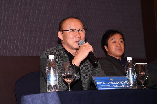 HLV Park Hang-seo chính thức dẫn dắt U22 Việt Nam tại SEA Games 30 - Ảnh 1.