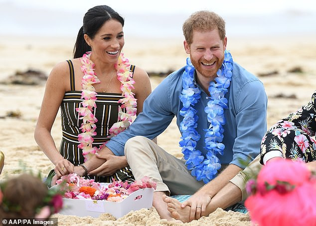 Trước sự ngạo mạn và hiếu thắng của Meghan đã đến lúc Hoàng tử Harry cần cất lên tiếng nói của một người chồng trong gia đình - Ảnh 2.