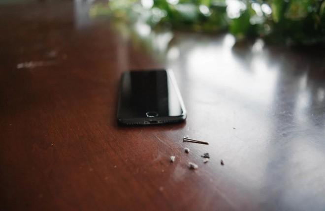 Cổng sạc Lightning trong iPhone của bạn có thể đang bị bẩn tới ghê người - Ảnh 4.