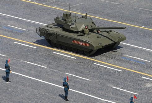 Quân đội Nga chết đứng vì cấm vận, TT Putin đang phô trương thanh thế? - Ảnh 2.