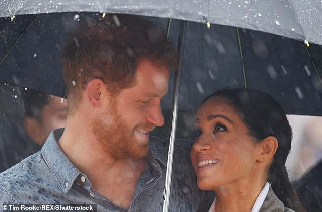 Trước sự ngạo mạn và hiếu thắng của Meghan đã đến lúc Hoàng tử Harry cần cất lên tiếng nói của một người chồng trong gia đình - Ảnh 3.
