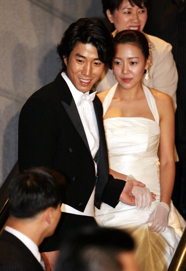 """Bất ngờ cuộc hôn nhân lệch chuẩn"""" giữa quý tử độc nhất của phó Chủ tịch Samsung và sao nữ hạng B kém sắc - Ảnh 2."""