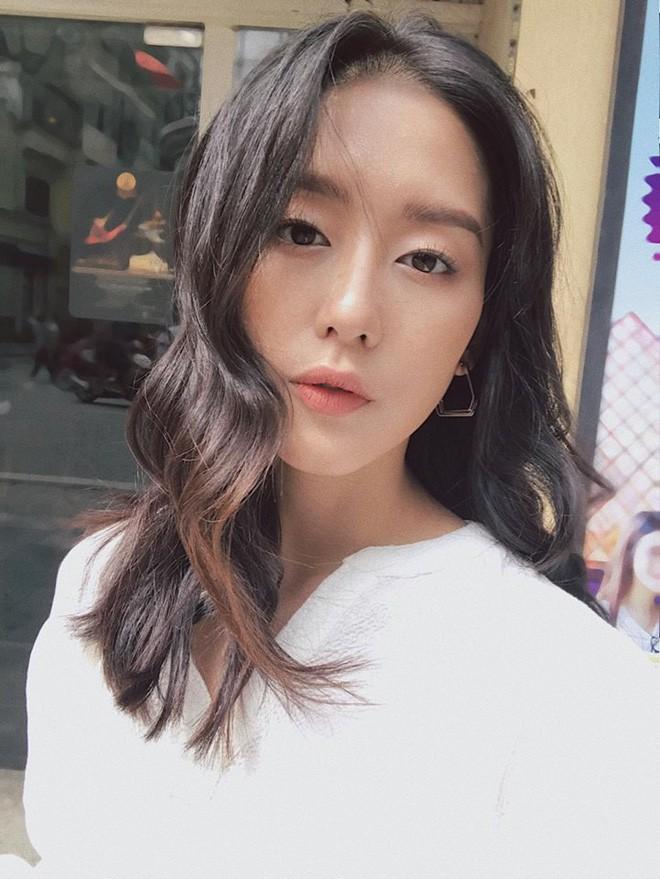 Nhan sắc cô dâu xinh đẹp, thần thái không kém gì Yoon Eun Hye trong bộ ảnh cưới cổ tích đang cực hot - Ảnh 21.