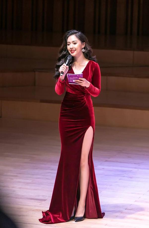 Thông tin bất ngờ về cuộc sống của thí sinh Hoa hậu từng tặng hoa Tổng thống Donald Trump - Ảnh 8.