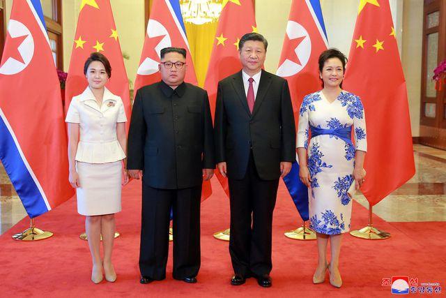 Nhan sắc yêu kiều của nữ ca sĩ là phu nhân ông Kim Jong Un, biểu tượng thời trang Triều Tiên - Ảnh 7.