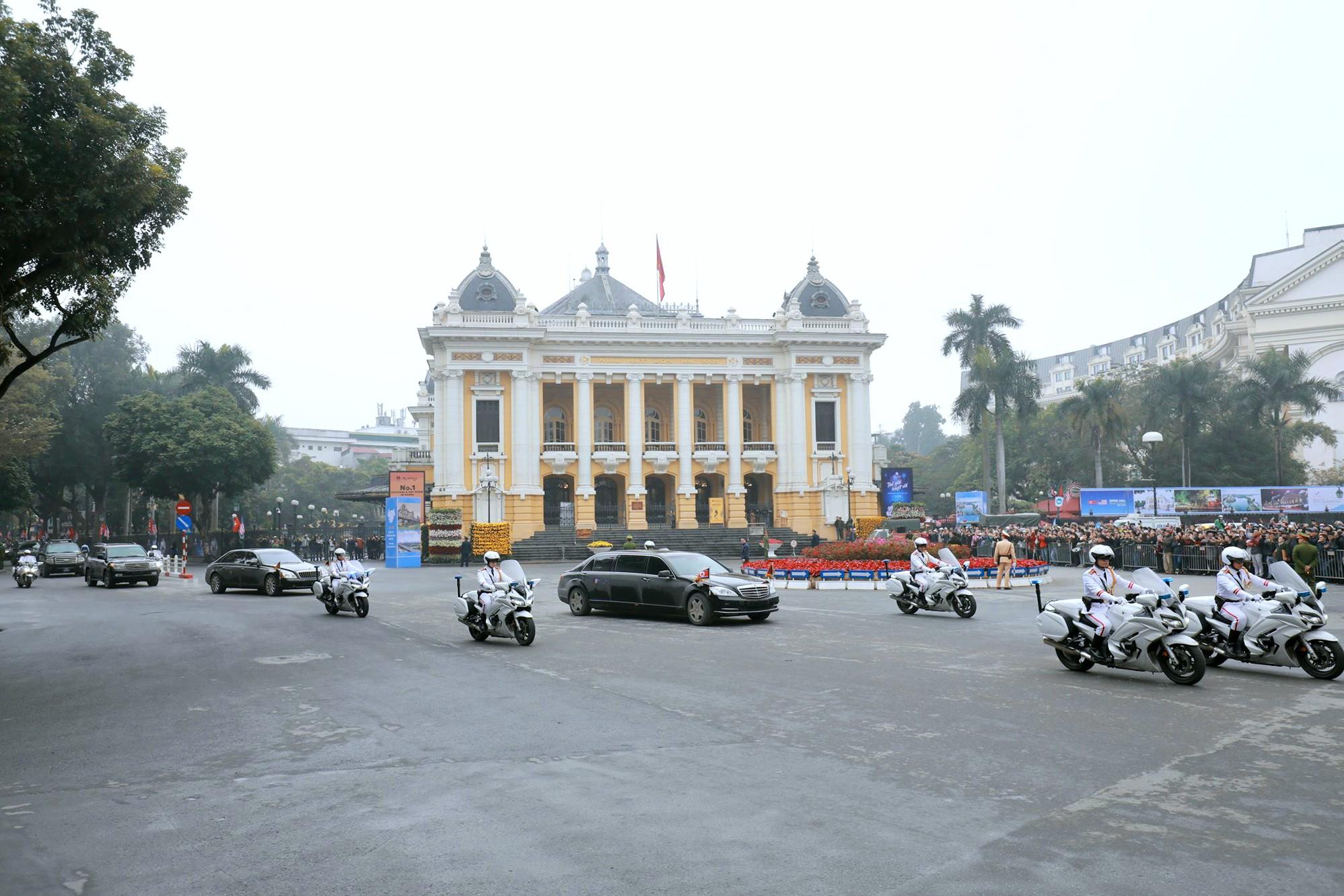 [PHOTO ESSAY] Những khoảnh khắc lịch sử trong chuyến công du Việt Nam đầu tiên của Chủ tịch Kim Jong-un - Ảnh 13.