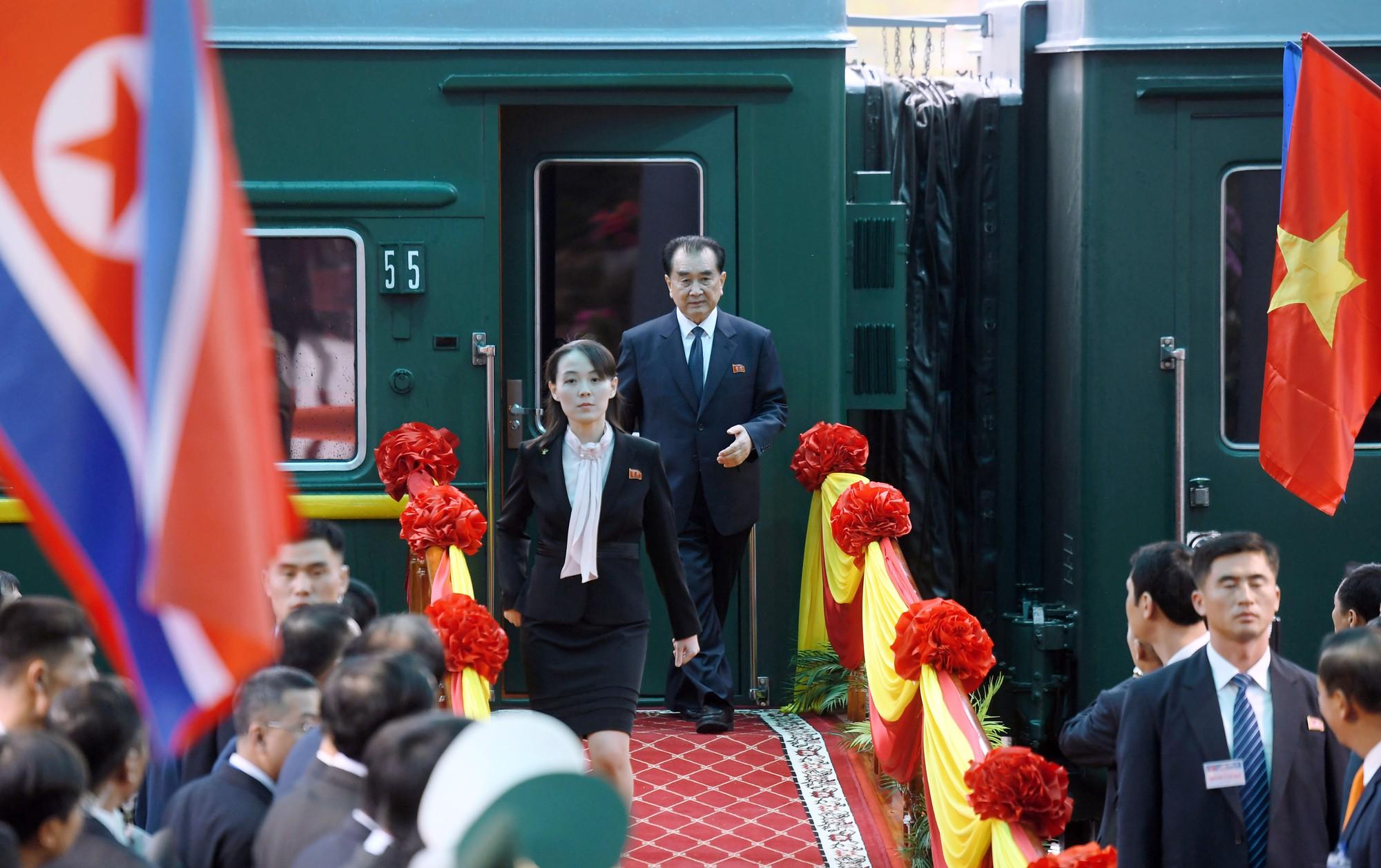 [PHOTO ESSAY] Những khoảnh khắc lịch sử trong chuyến công du Việt Nam đầu tiên của Chủ tịch Kim Jong-un - Ảnh 4.