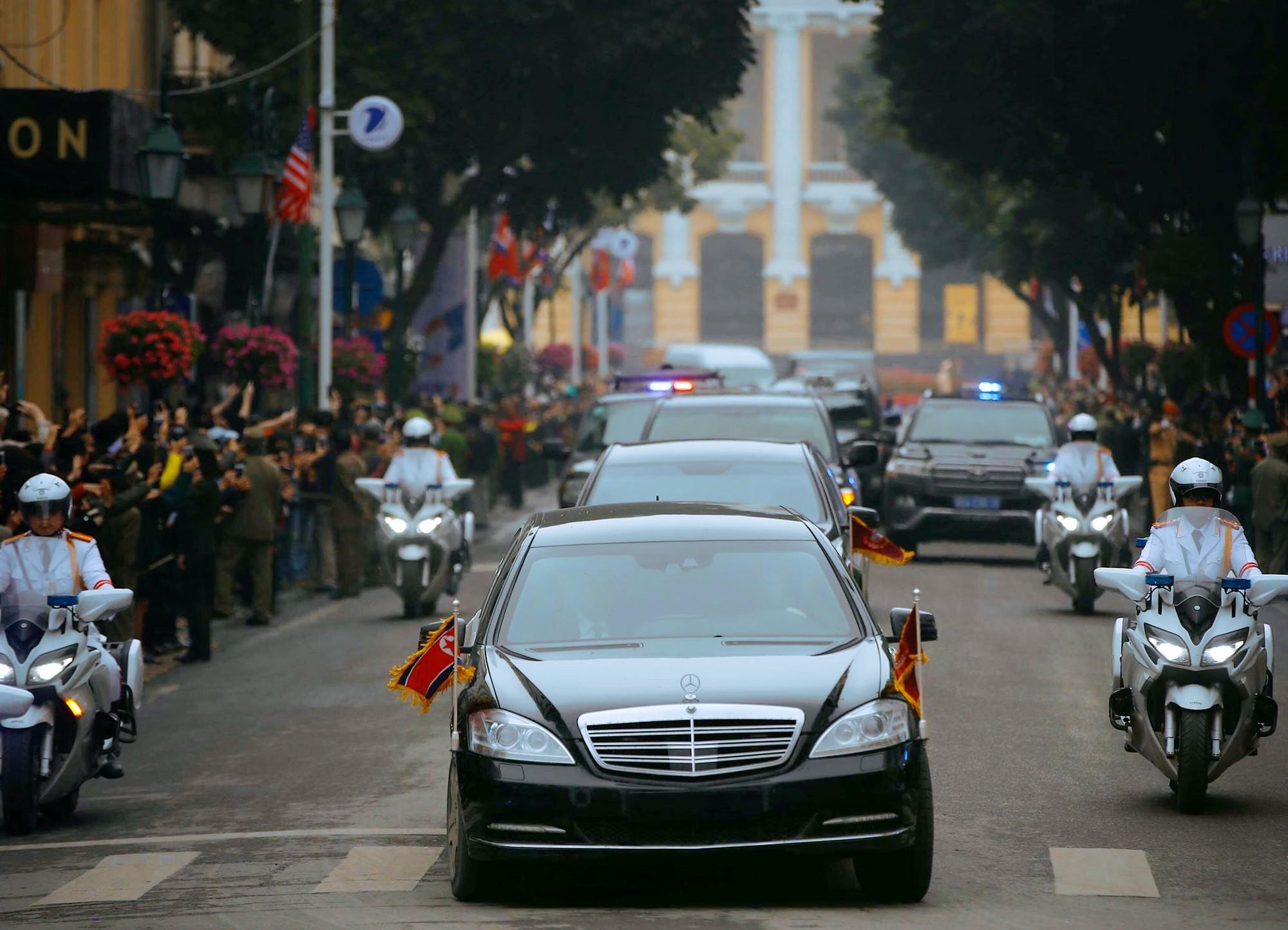 [PHOTO ESSAY] Những khoảnh khắc lịch sử trong chuyến công du Việt Nam đầu tiên của Chủ tịch Kim Jong-un - Ảnh 14.