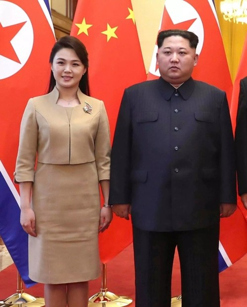 Vợ Chủ tịch Kim Jong Un - đệ nhất phu nhân của Triều Tiên xinh đẹp và bí ẩn thế nào? - Ảnh 1.