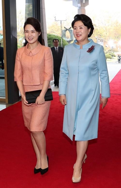 Vợ Chủ tịch Kim Jong Un - đệ nhất phu nhân của Triều Tiên xinh đẹp và bí ẩn thế nào? - Ảnh 6.