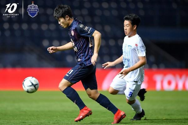 SỐC: Chỉ sau trận đầu ở Thai League, giá trị của Xuân Trường tăng vọt và vượt Công Phượng - Ảnh 2.